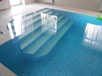 Строительство бассейнов в помещении. Зима-весна 2015